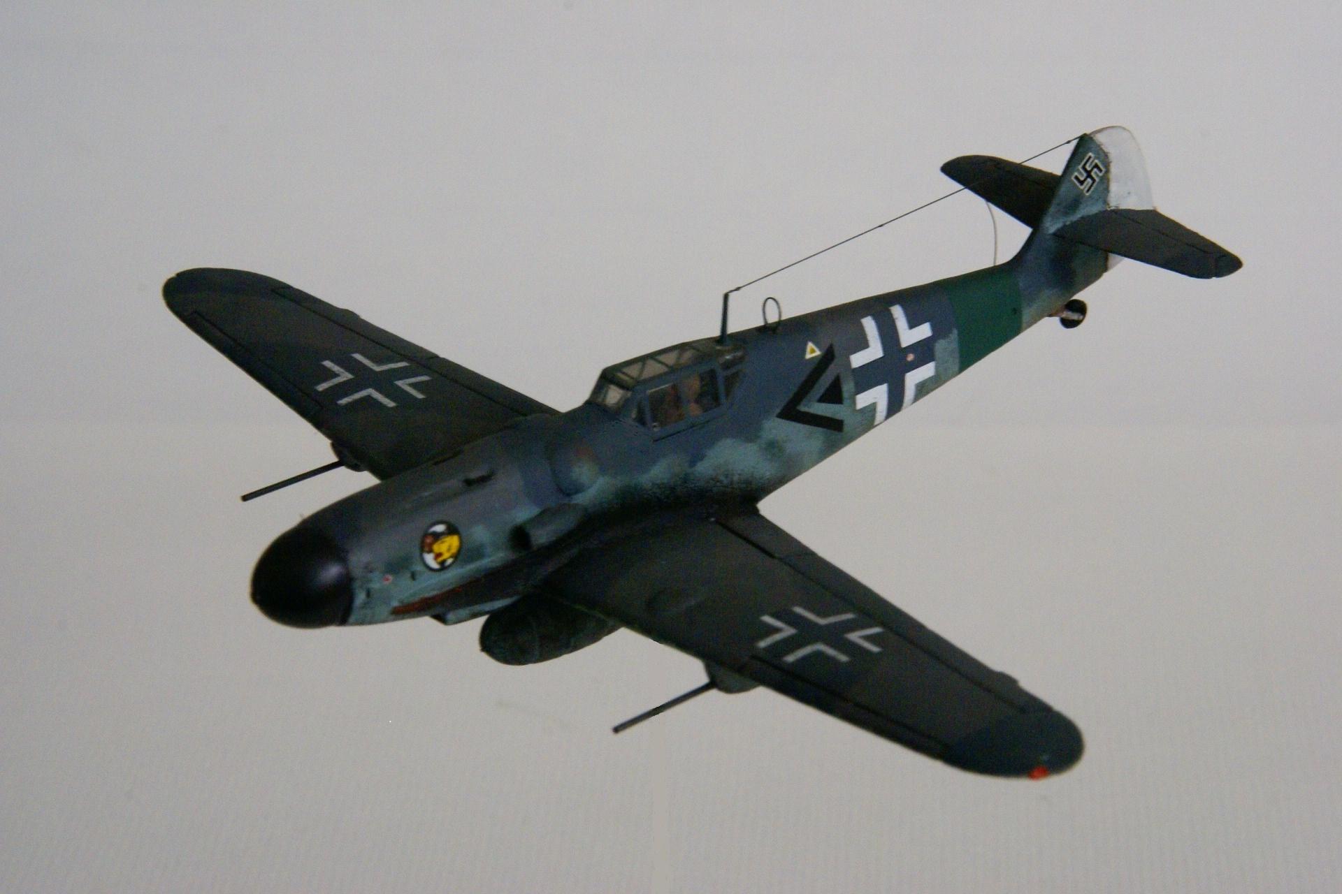 Messerschmitt 109g 6 r6 en vol