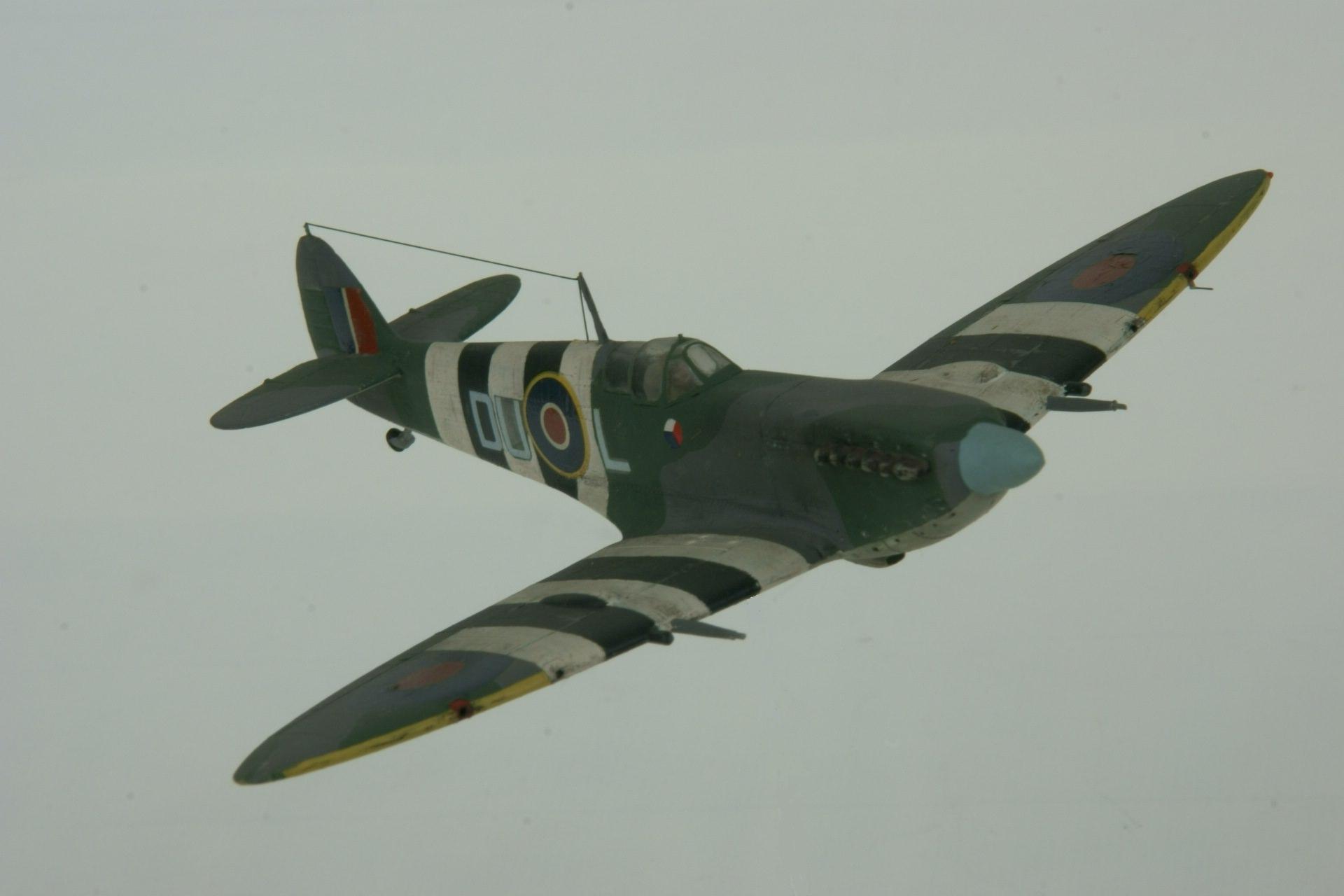 Supermarine spitfire lf ixc 4 1