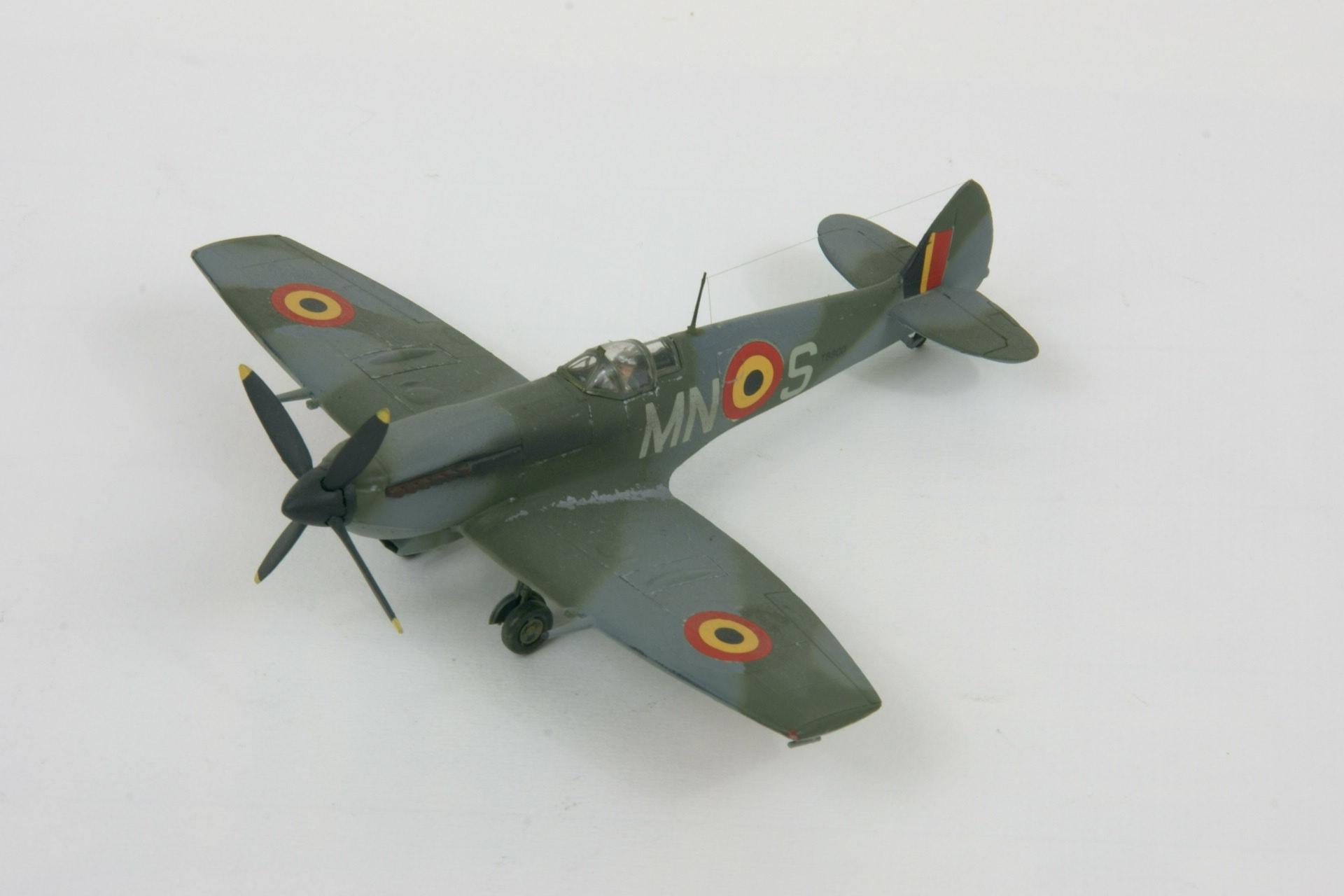 Supermarine spitfire lf xvie early 1