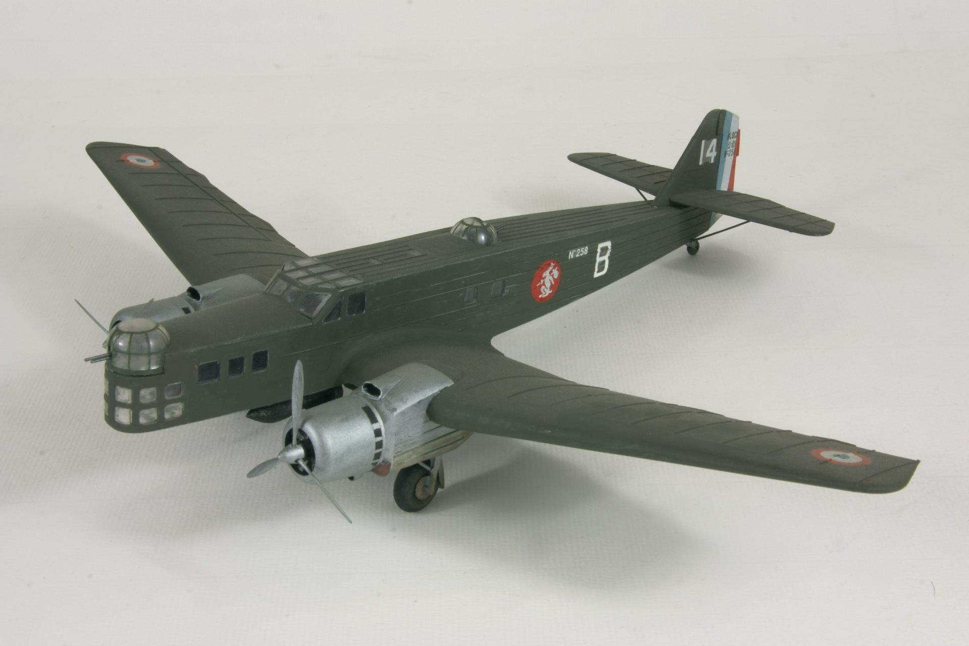 Bloch 210 1 2