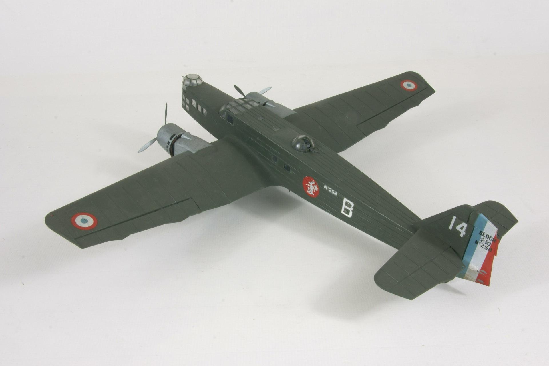 Bloch 210 2 2