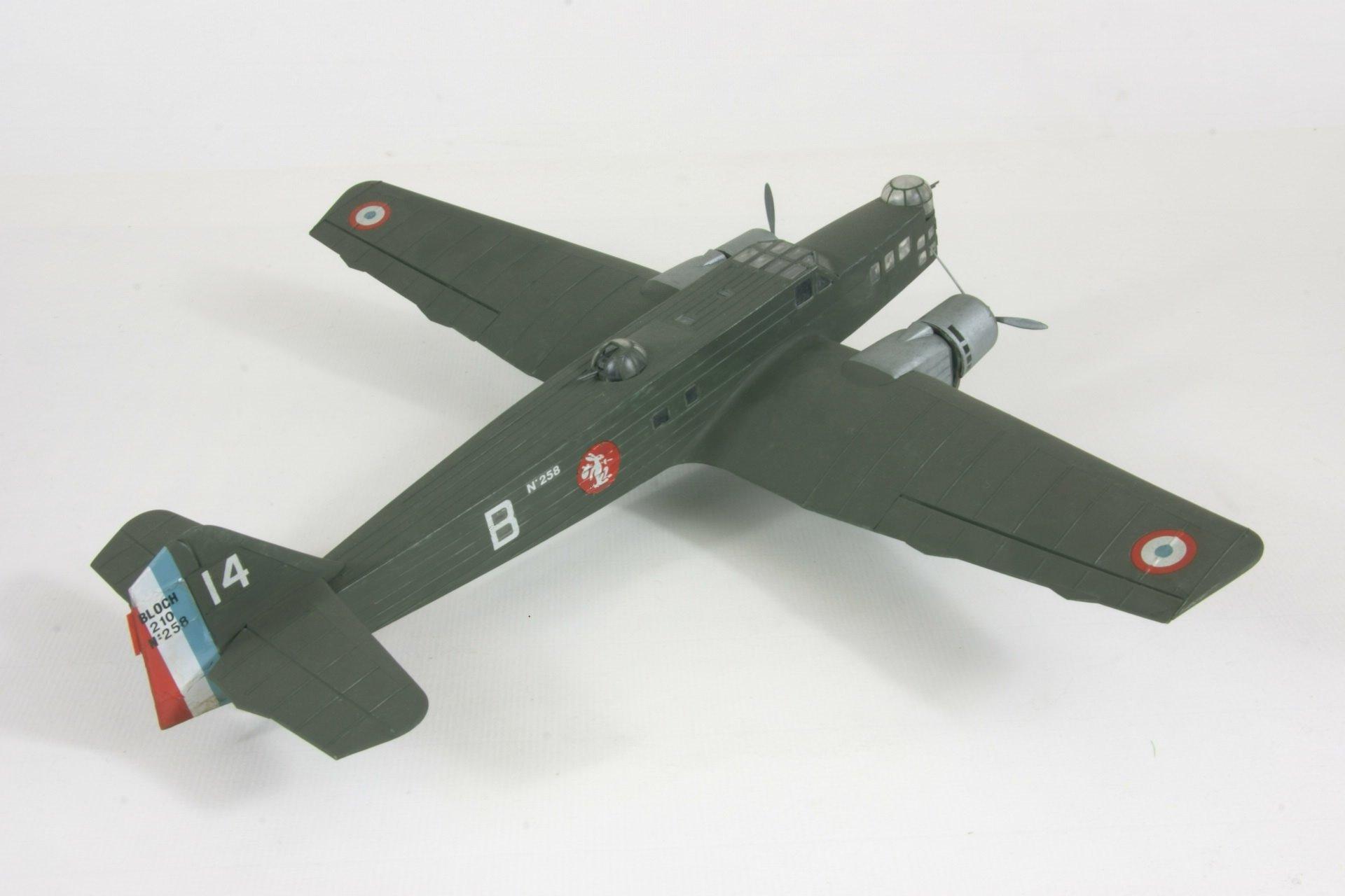 Bloch 210 3