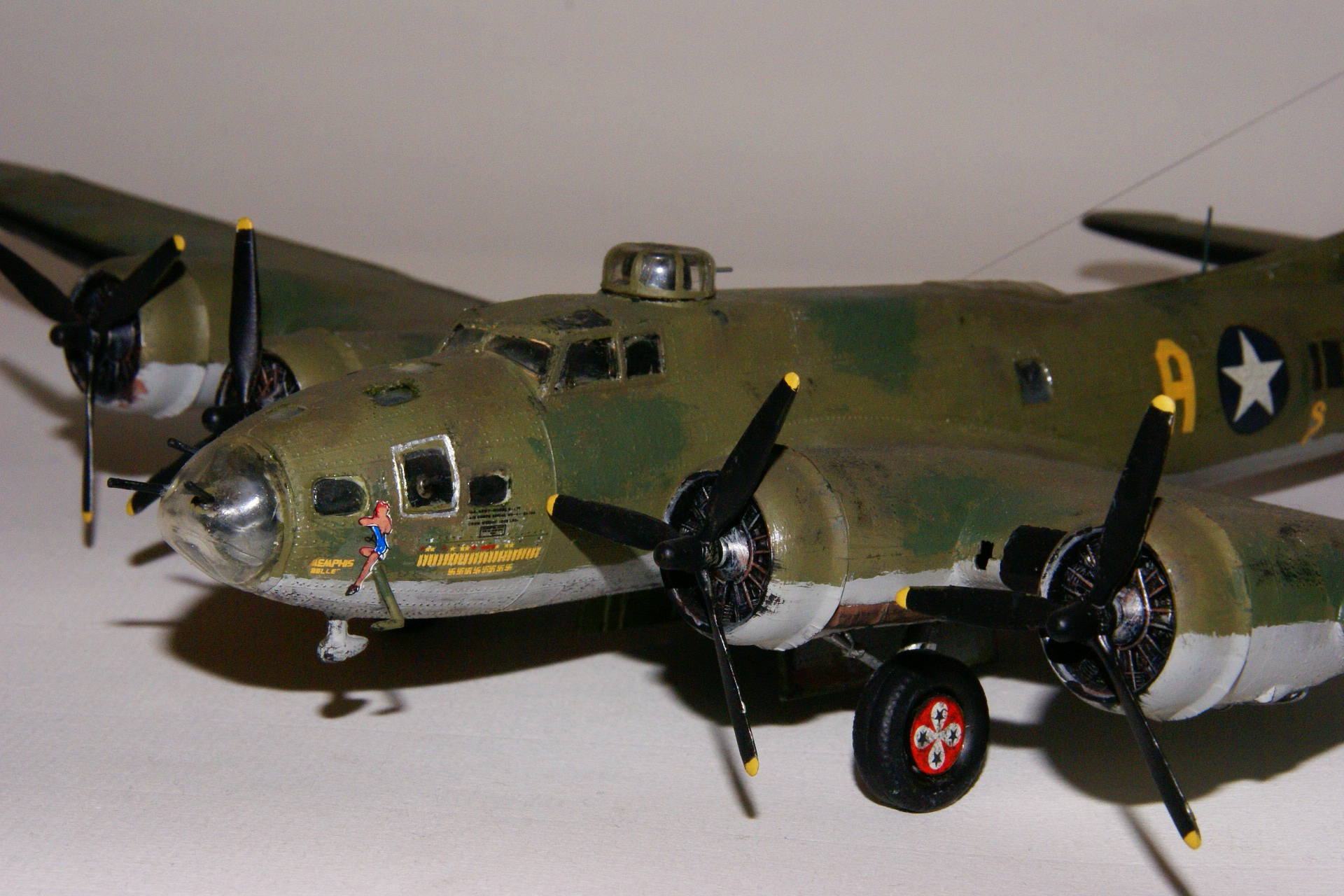 Boeing b 17f flying fortress 1 2