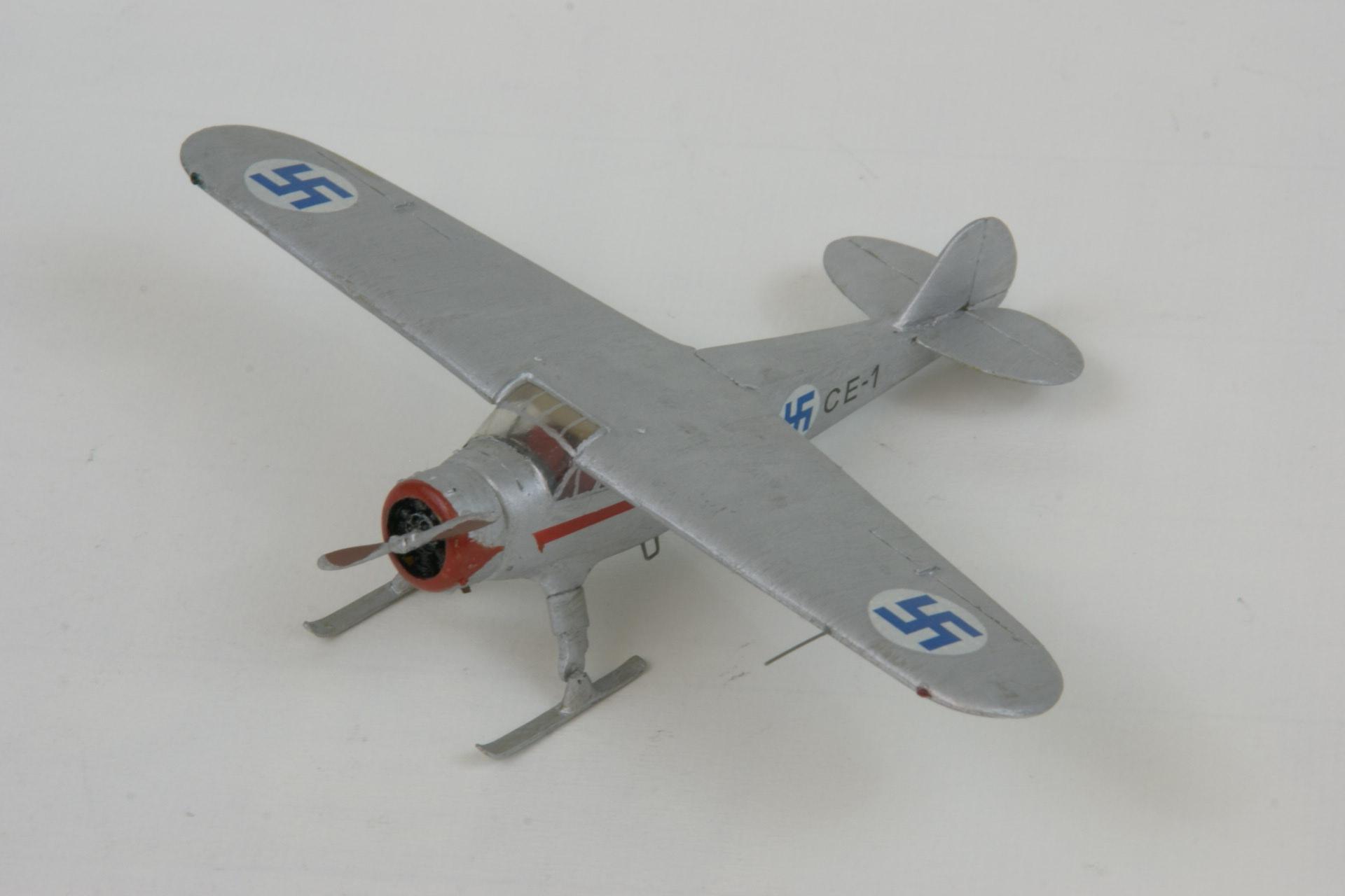 Cessna c 37 airmaster 1