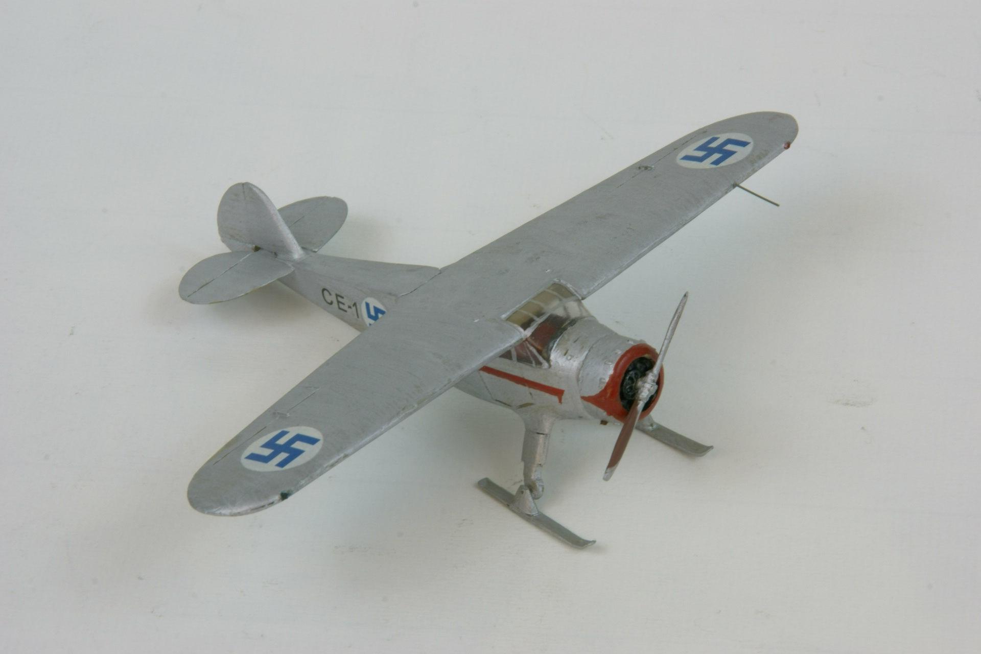 Cessna c 37 airmaster 2