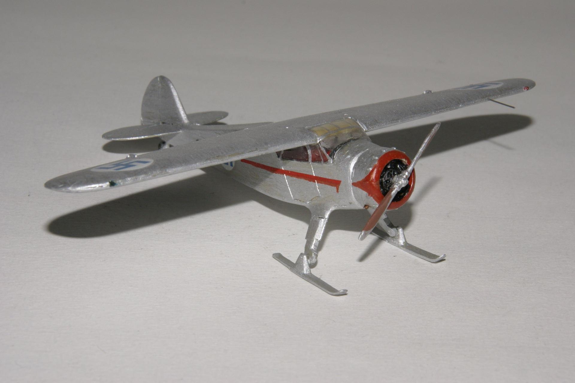 Cessna c 37 airmaster 4