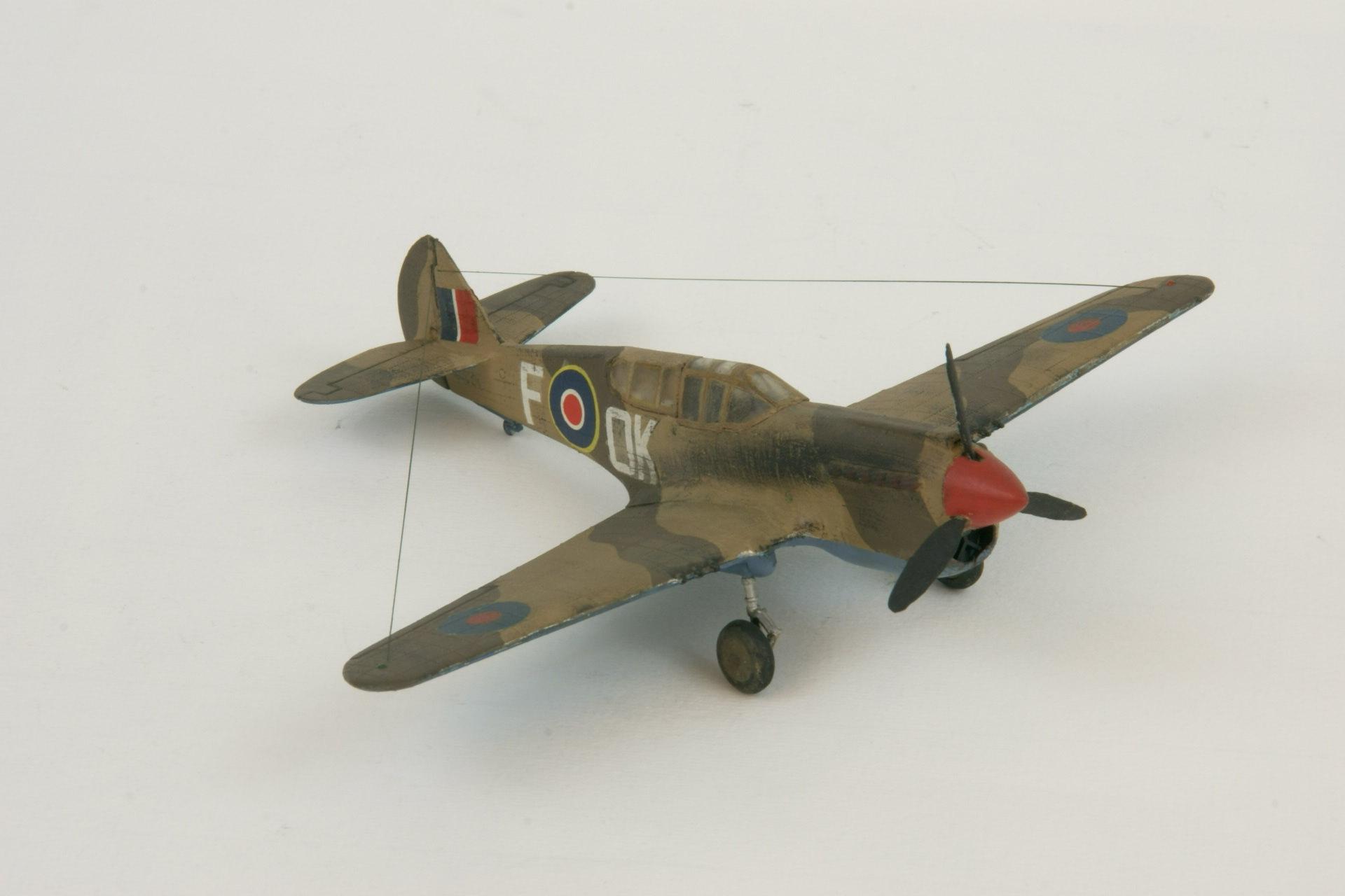 Curtiss kittyhawk ii 4