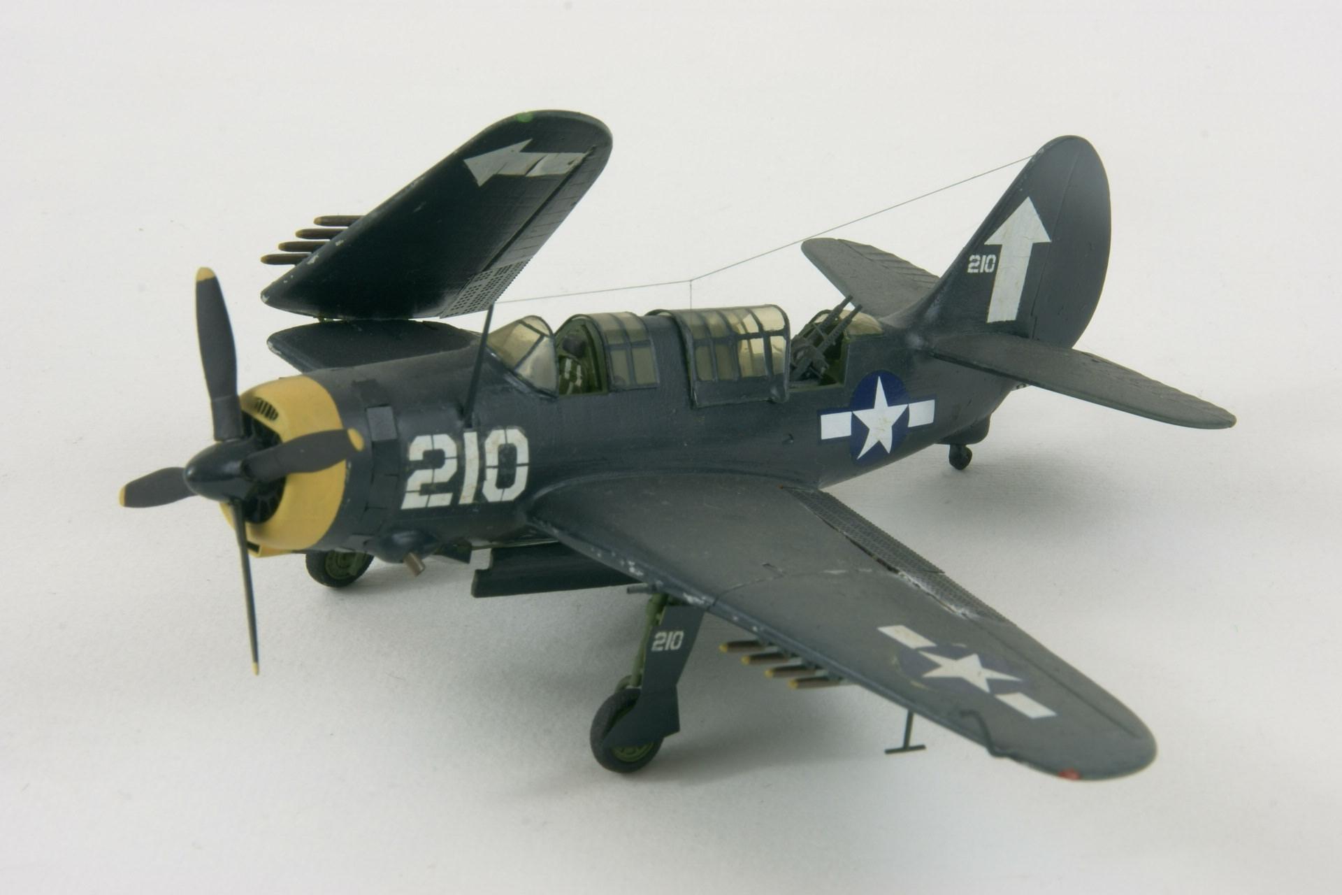 Curtiss sb2c 4e helldiver 1 2