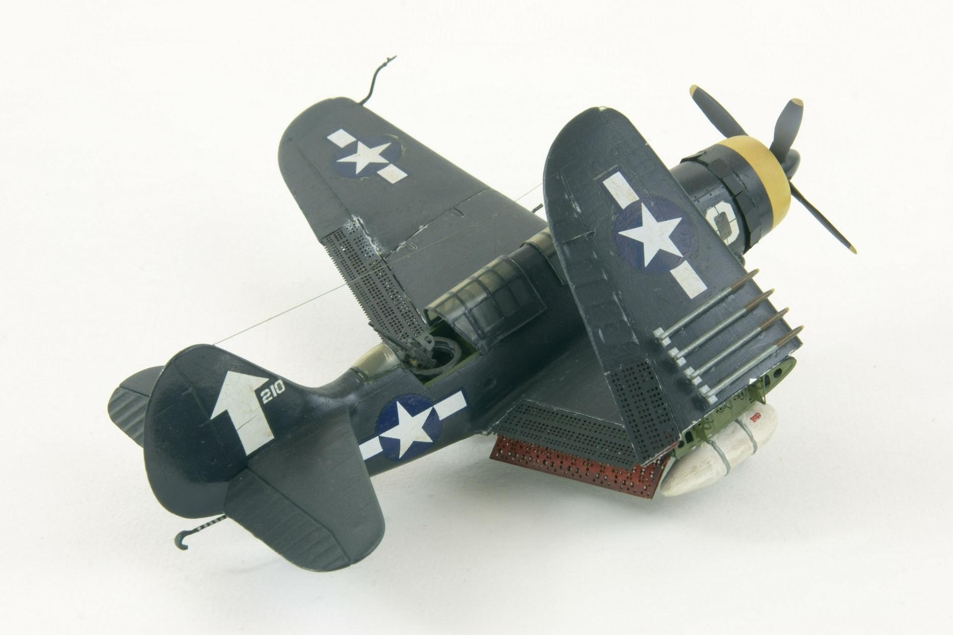 Curtiss sb2c 4e helldiver 3 2