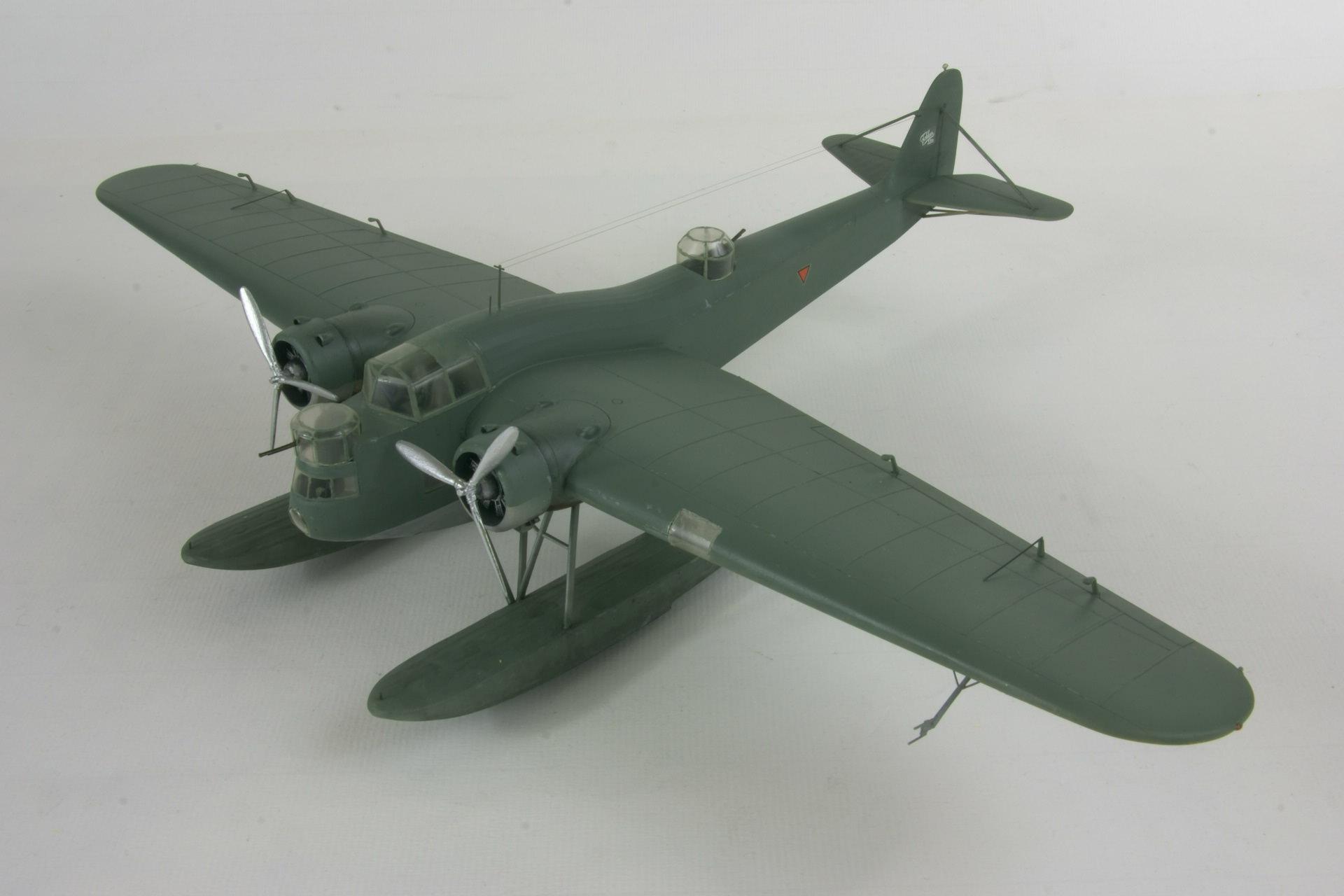 Fokker t iva 1 2