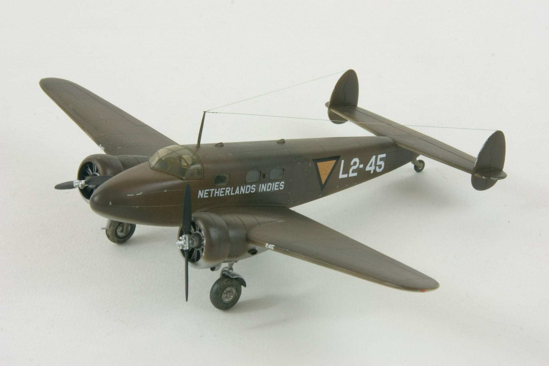 Lockheed 12 28