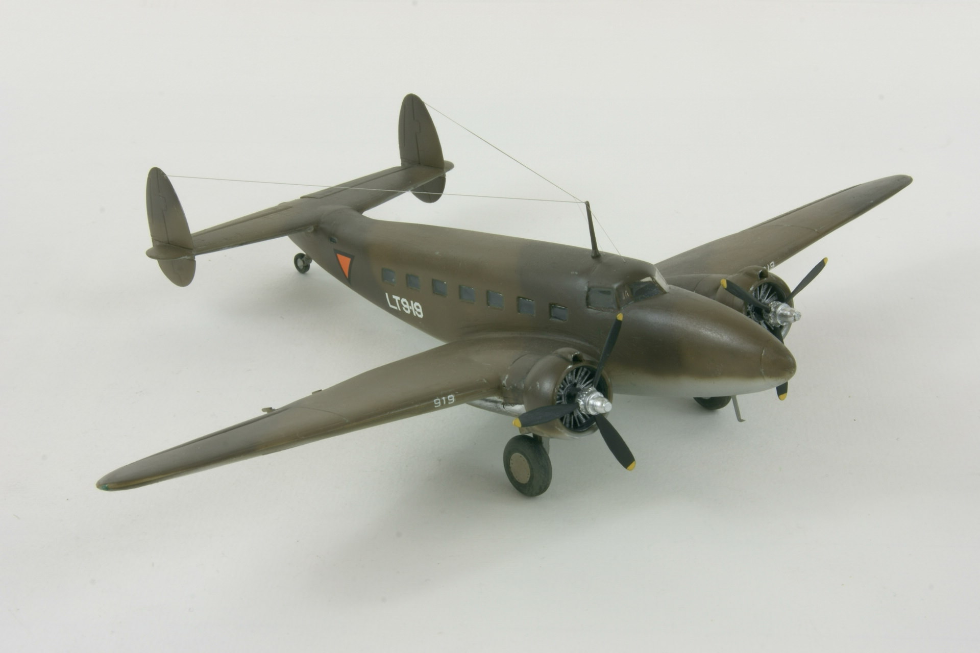 Lockheed lodestar 4 2