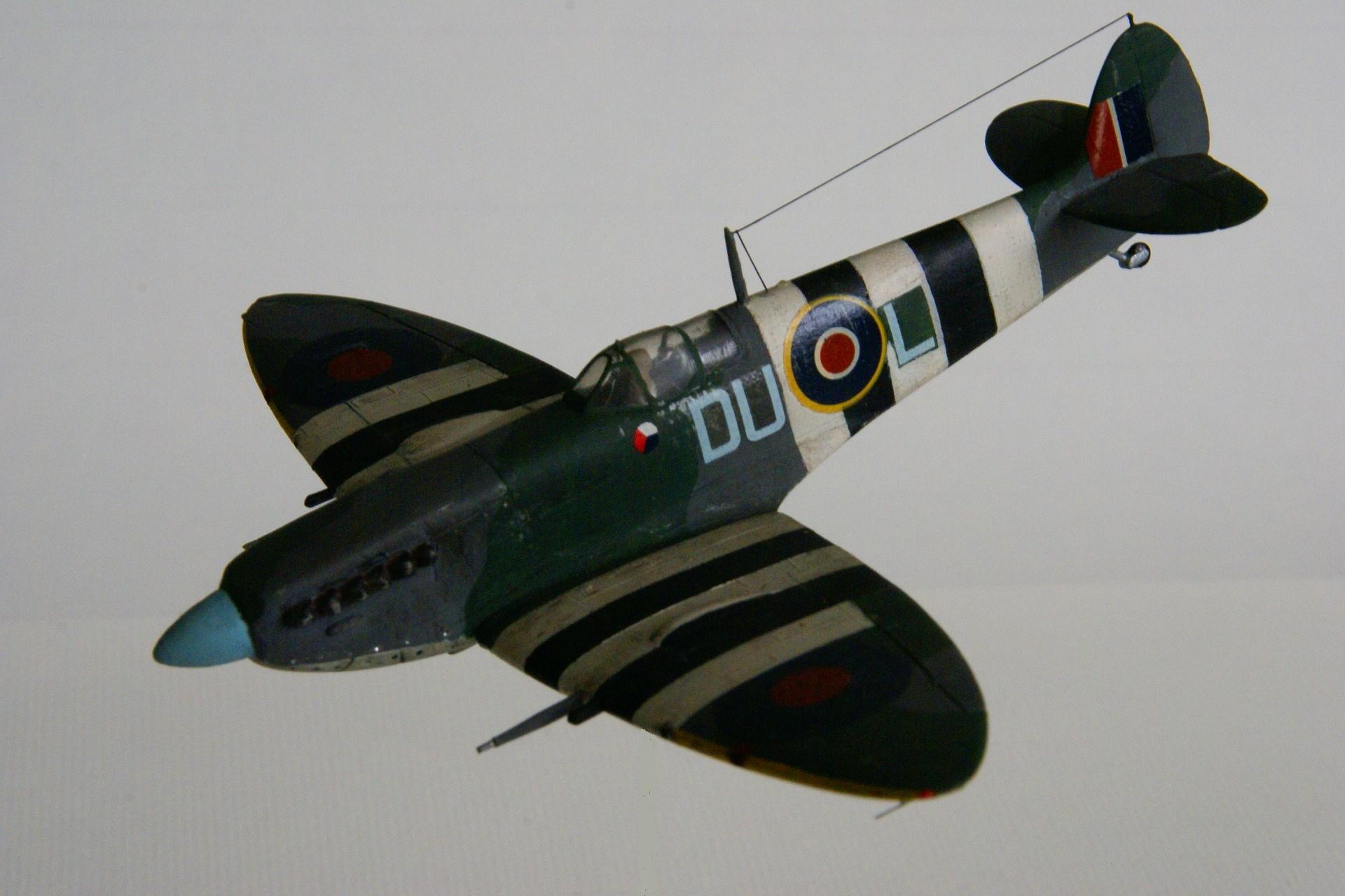 Supermarine spitfire lf ixc 1 1