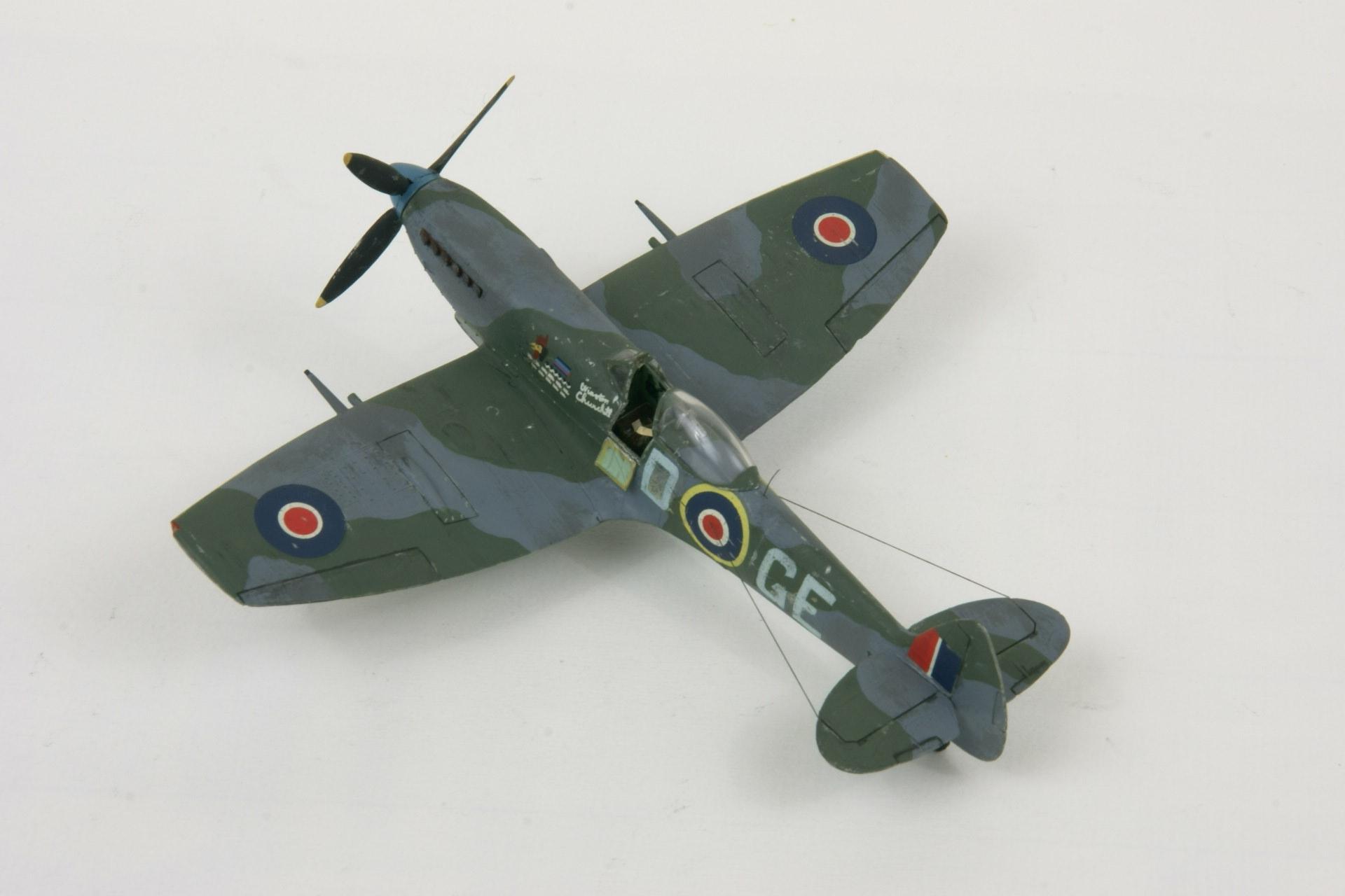 Supermarine spitfire lf xvie late 1